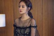 安以轩黑色透视纱裙神秘感十足