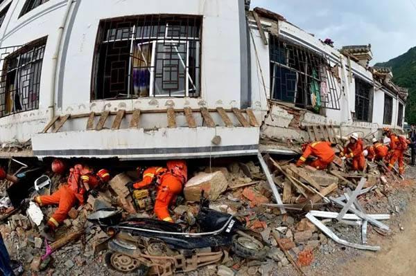 重庆武隆5.0级地震已致3人受伤 五趟列车受影响