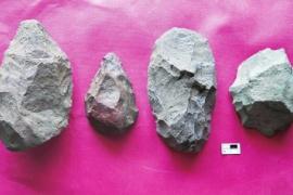 中肯联合考古队探秘人类起源 发现大量旧石器时代石制品