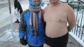 哈尔滨耐寒奇人三九天穿短袖去早市买菜 去松花江游泳