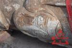依兰雕龙石柱捞出13段 专家:或为三姓文庙前廊明柱