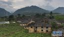 村庄沉水底28年 建筑群浮出水面后仍保持原状