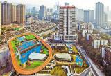 """""""网红""""城市重庆又魔幻了!运动场搬到屋顶上"""