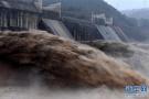 无人机拍黄河小浪底:水流携带泥沙奔涌而出