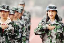 郑州师范学院聋哑学生军训全靠手势