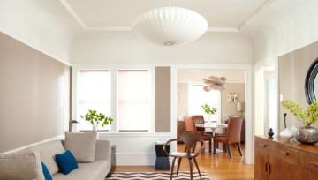 石竹色跟白色的完美配合,成就了这个迷人温馨小户,朝南方面有一个漂亮的阳台,虽然只是单间,但是你会在这个房间里得到满足感。大面积的留白,简单自然的木质家具,棉麻的运用,搭配石竹色墙面,空间温润自然,流露优雅。