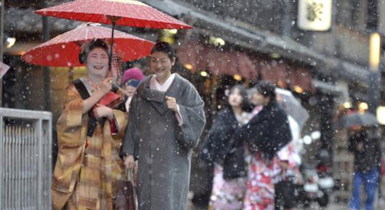 日本遭今年最强寒流 已致至少3人死亡