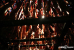 """""""腊肉女王""""一个冬天收500头猪做10万斤腊肉 两百多万财产曾被烧光"""