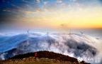 基隆山现云海奇观