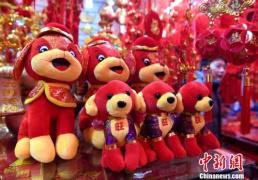 """国内""""购物""""和""""吃"""" 中国人7天假期花9260亿"""