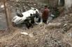 点赞!两车相撞一车坠河 商丘男子持扳手砸窗救人