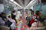梦回大唐!西安地铁2号线变身唐朝地铁 再现盛世长安魅力