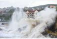 台风温比亚来袭