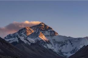 官方详解珠峰保护区规定:游客从来不能擅自前往珠峰登山大本营