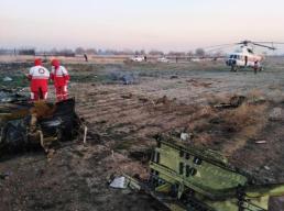 坠机现场画面曝光!乌克兰载约180人客机伊朗坠毁 恐无人生还