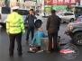 吉林大街突发车祸 被撞男子倒地不起