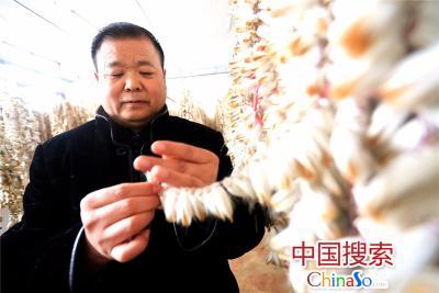 汝阳刘第66代传承人、河南省非物质文化遗产项目代表性传承人刘好勤。(中国搜索 杨正华 摄)