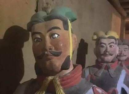 西安 眼睛/山寨兵马俑辣眼睛
