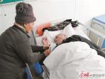 铜山郑集72岁老人 照顾瘫痪老伴13年