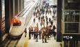 600余名旅客乘坐首趟渝万高铁