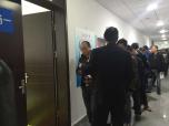 杭州网约车考试场场爆满,司机:技多不压身,边考证边观望