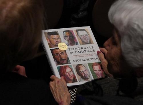 小布什出版的画册