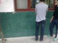 小学生未穿校服遭踢打体罚 涉事女教师已被停职