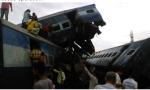 印度列车脱轨事故死亡人数升至23人 另有70多人受伤