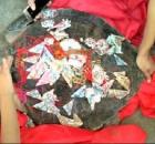 渔民捕百斤大海龟 龟壳上刻字绑钱后将其放生