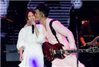 李荣浩献吻杨丞琳