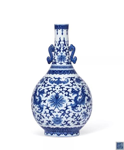 923 清嘉庆 青花虁凤福寿纹双耳长颈胆瓶