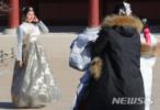 """中国赴韩游客数遭""""腰斩"""" 韩国旅游业笑不起来"""