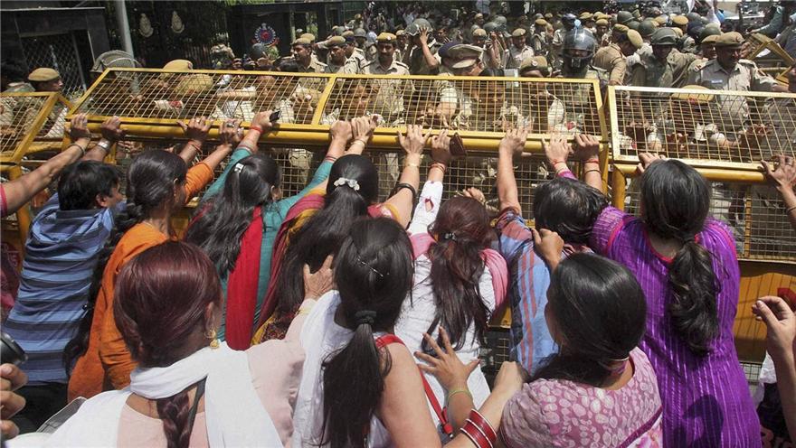 印度 惩治性暴力犯罪 印度政府在行动