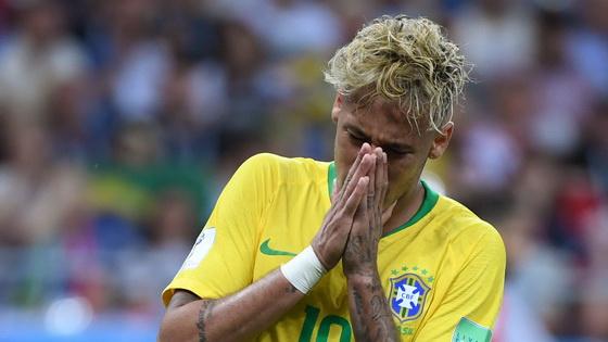 内马尔无功库鸟破门楚贝尔扳平 巴西1-1瑞士