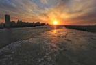 松花江大面积流冰
