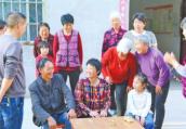 贵州流浪女找到失散14年的家人 已在河南落户的她与叔叔相认