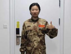 """超励志!""""95后""""湖北姑娘4次报名参军,两次选择新疆"""