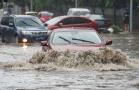 重庆遭暴雨袭击 致2.3万人受灾损失逾三千万