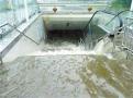 瀋陽發佈城市防汛應急預案 暴雨天車被淹該如何逃生