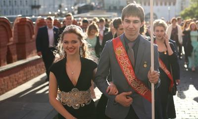 俄罗斯学生不输模特