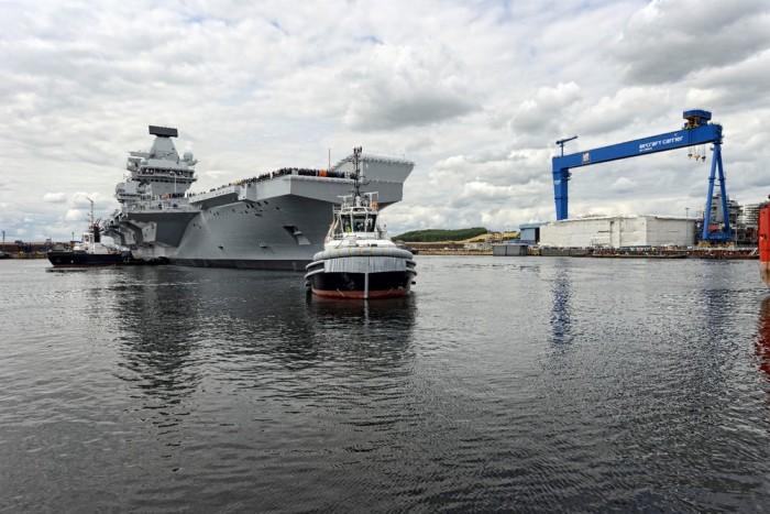 """英国唯一航母""""伊丽莎白女王""""号出海试航"""