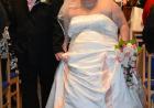 被婚纱店员嘲笑 330斤大妈一怒减掉半个自己