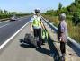 7旬老太迷路上高速步行,巡逻民警发现后……