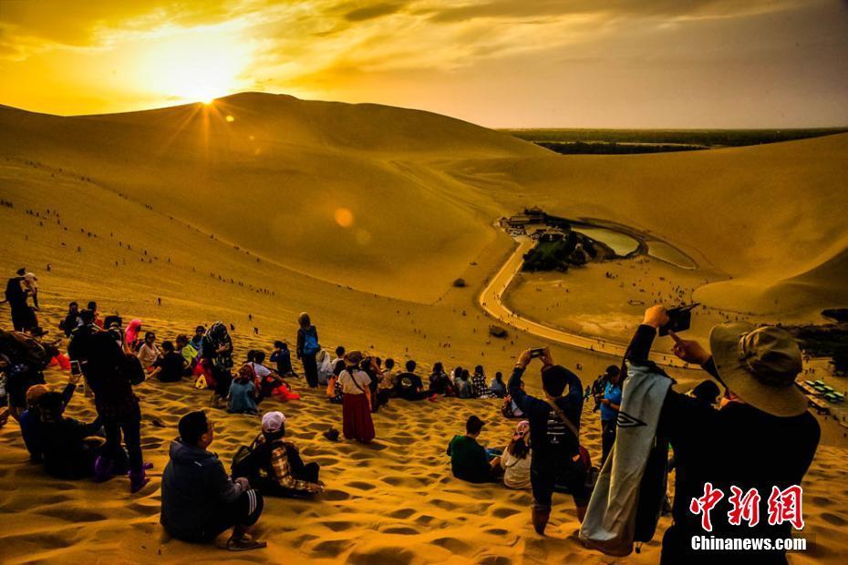 震撼!敦煌大漠秋景