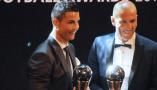 C罗连续2年当选世界足球先生 回顾上赛季C罗高光瞬间