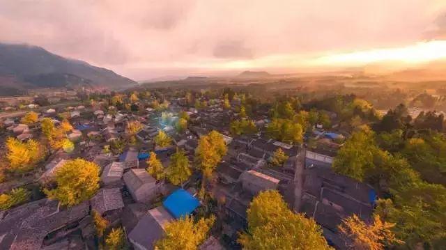腾冲银杏村(云南)-盘点11月中国最美8个地方 趁着人少去走走吧
