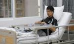 """每天""""葛优躺""""小伙竟把腰躺断了 医生说这姿势对身体很不好"""