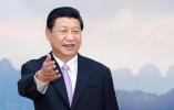 习主席超暖举动让人感动 和代表握手用双手显爱兵情怀