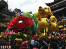 电影旅游火爆 传统商品失宠:春节消费折射经济转变