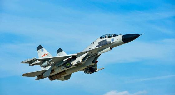 南海某靶场 多型战机实弹射击展雄风